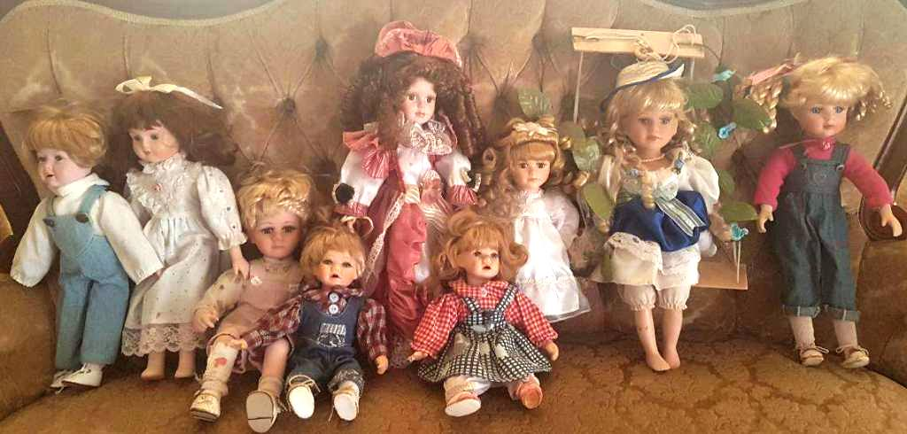 9 X Porcelain dolls