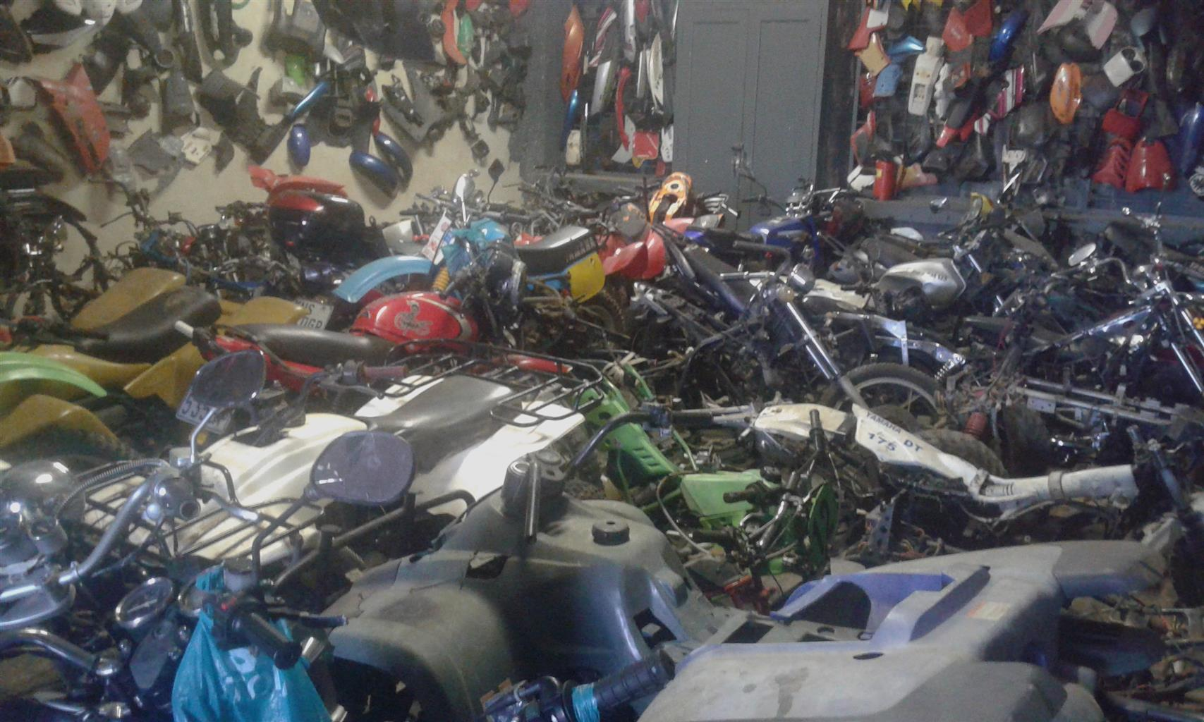 Suzuki DR 500 stripping for spares. Boksburg Bike Scrapyard