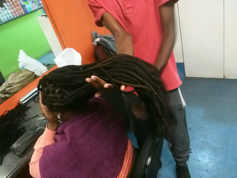 TINASHE DREADLOCKS SERVICES