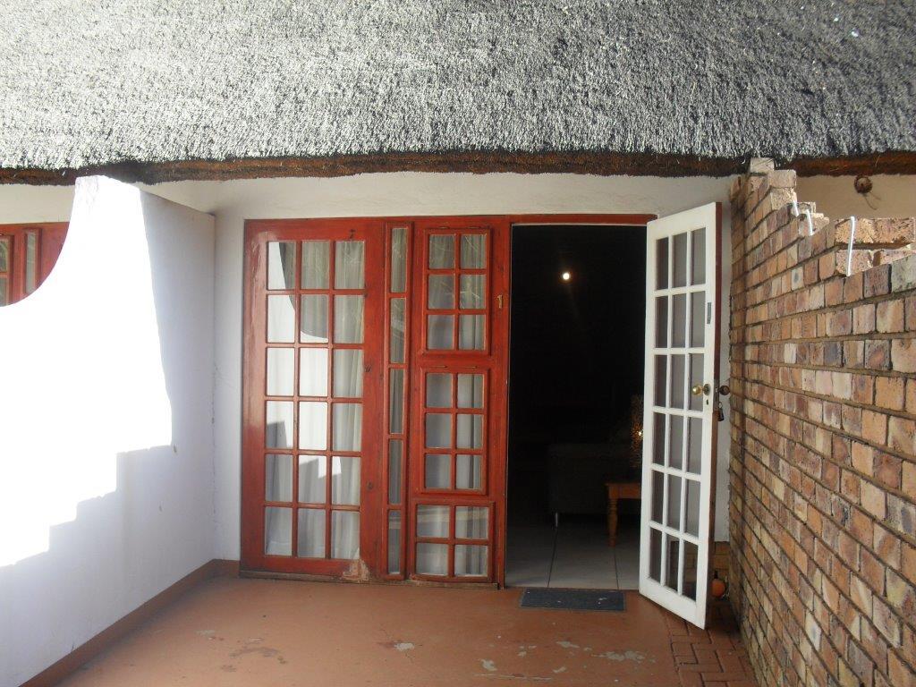 1 bedroom furnished loft apartment to let