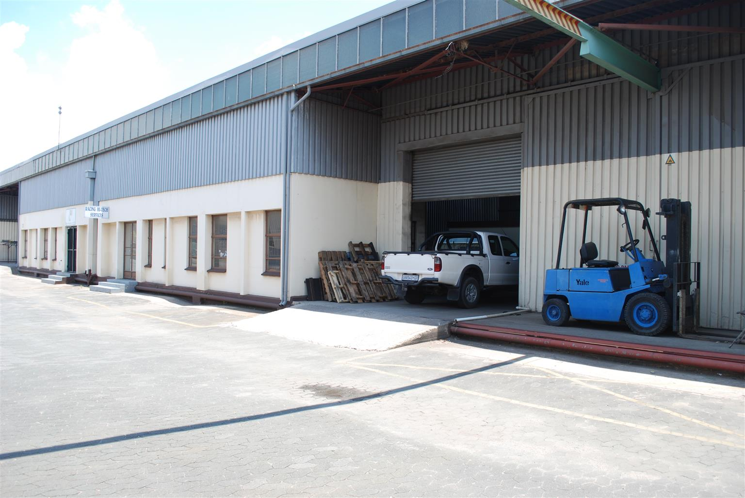 Mini Factory TO LET Boksburg East - Close to major freeways, East Rand Mall & Carnival Mall