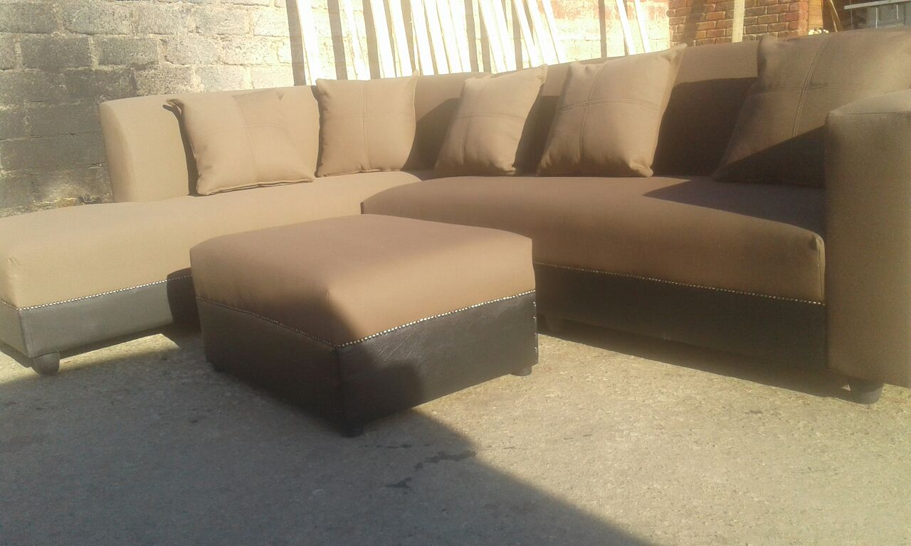 6 Seater corner couch / day bed