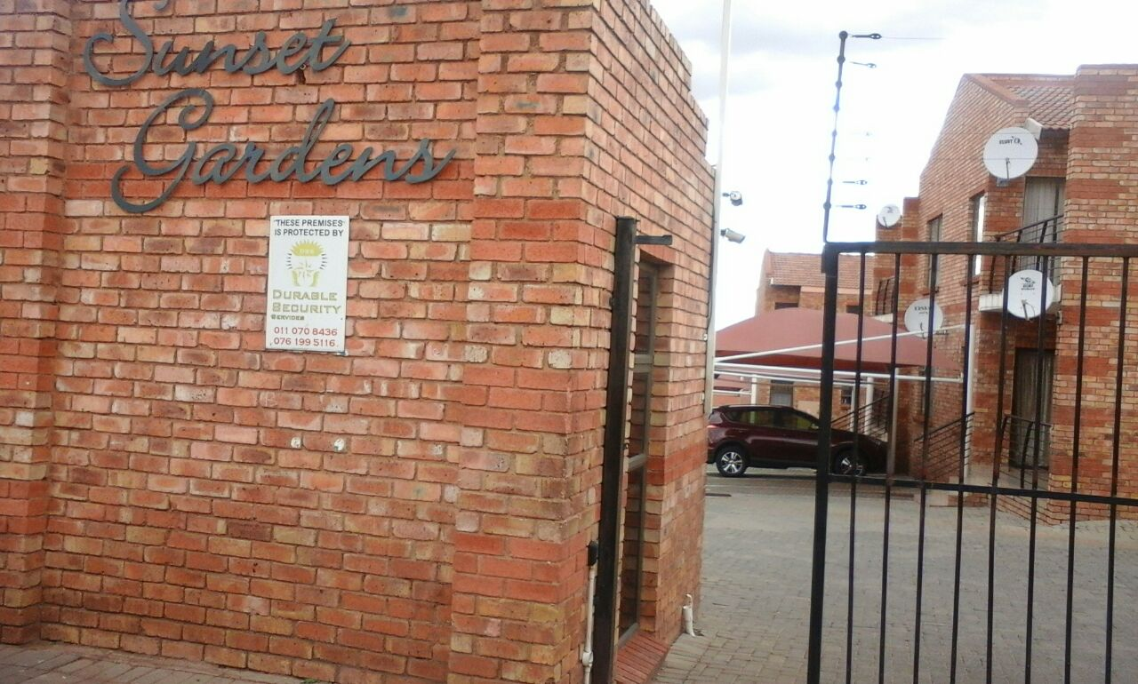 TOWN HOUSE IN NATURENA FOR SALE