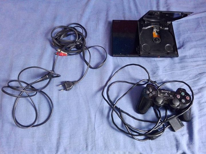 PlayStation 2 console.
