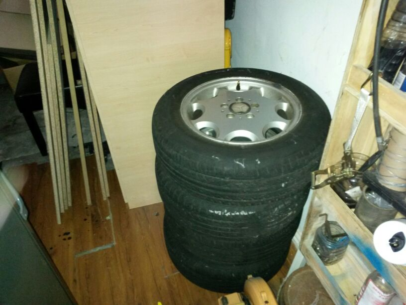 Mercedes rims and new tyres R1500