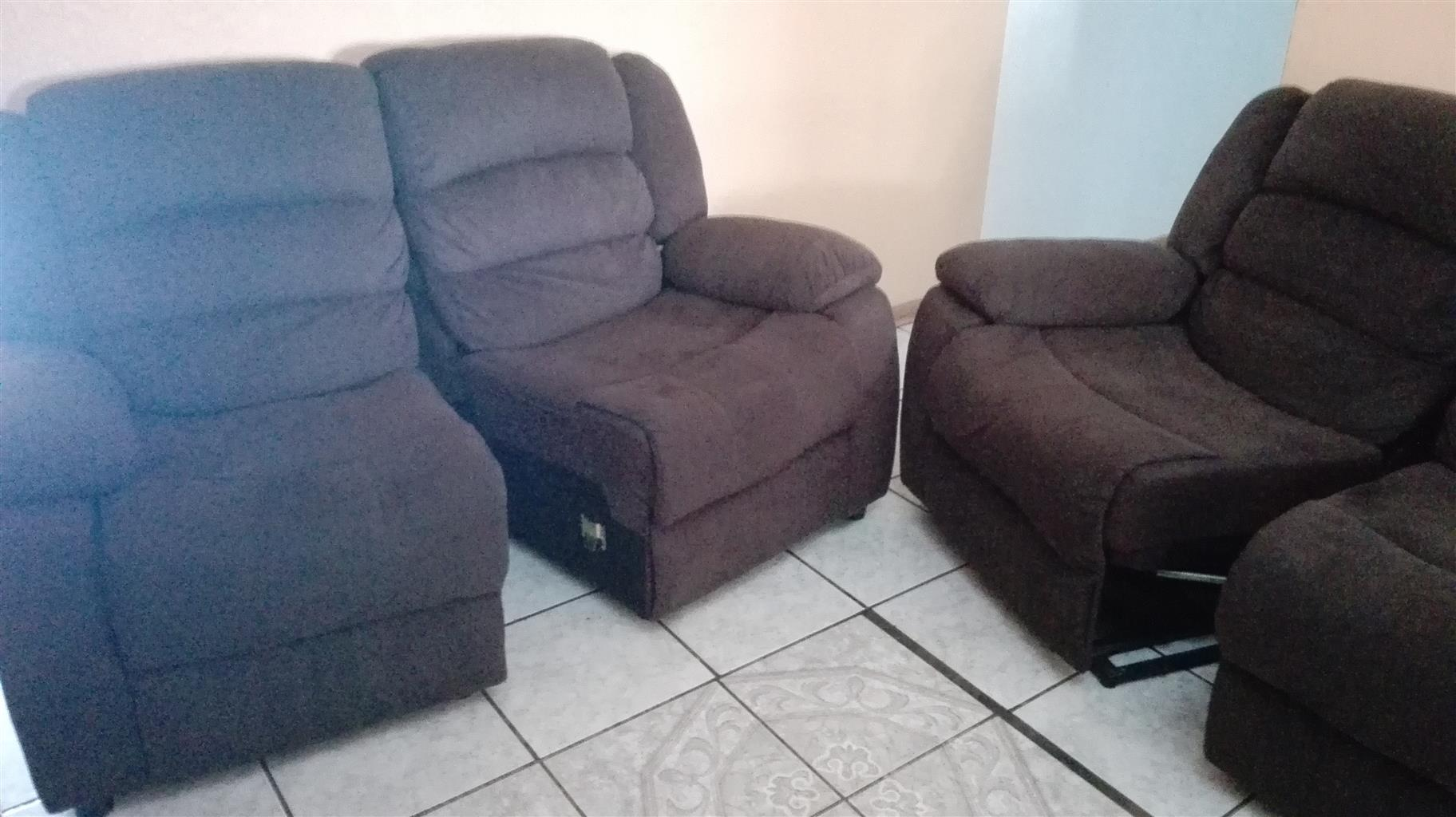 Recliner lounge suite (suede)