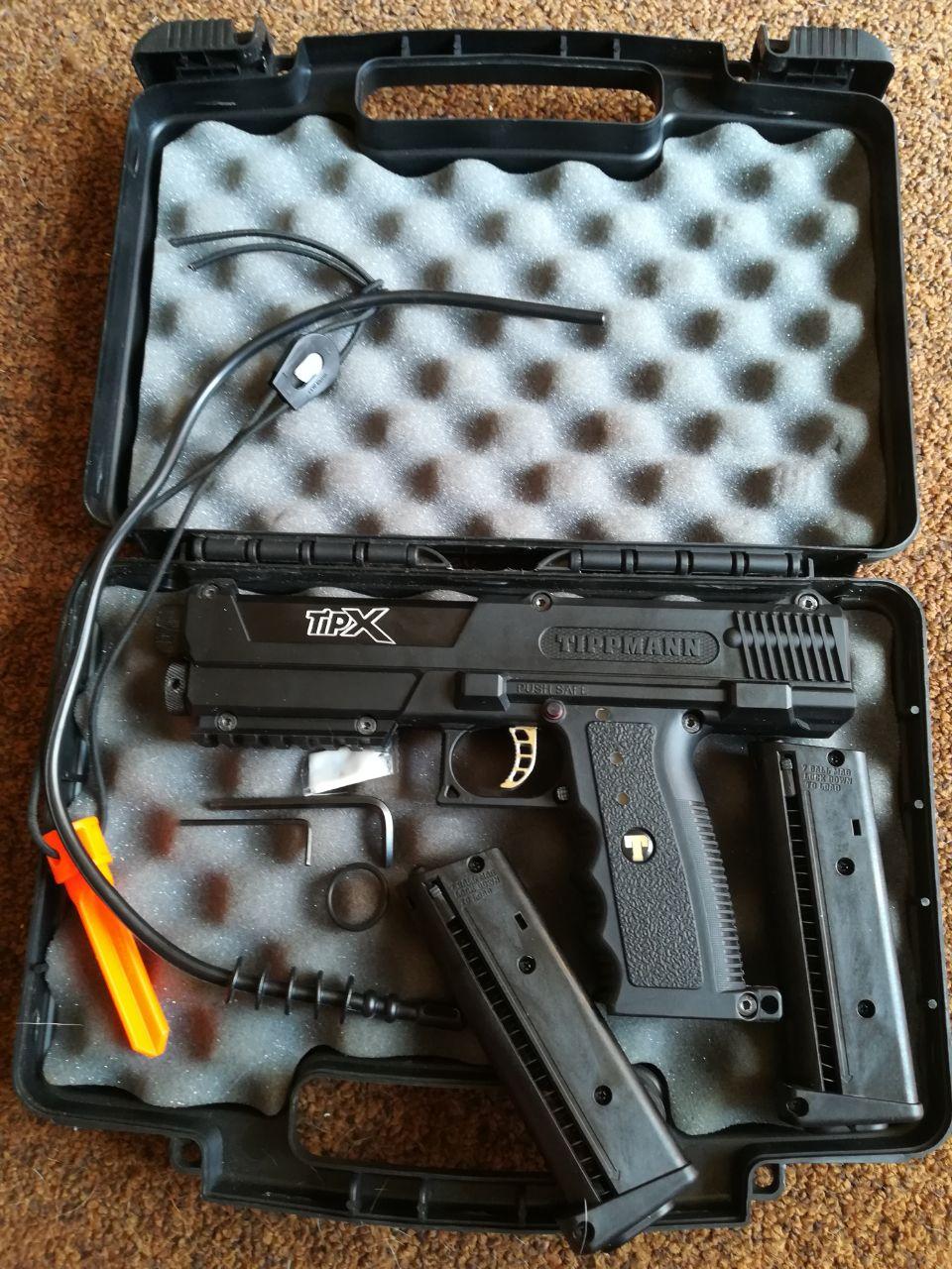 Tippman Tipz paintball gun + case