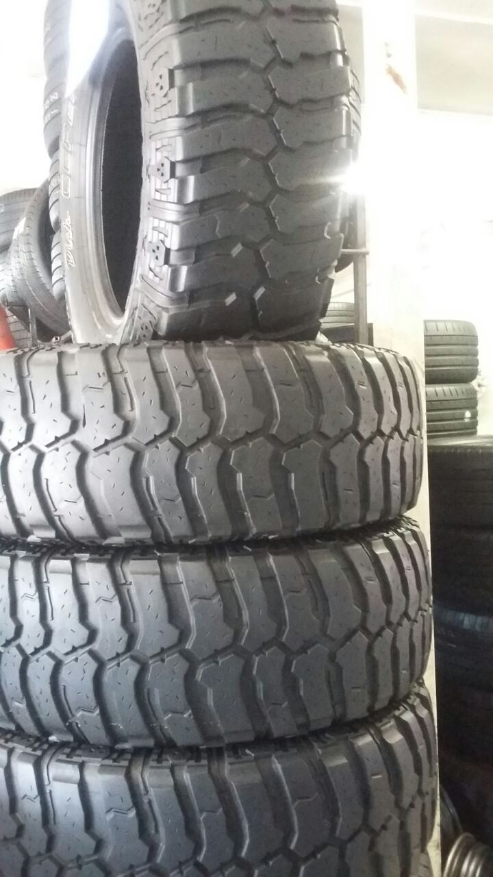 285 70 17 M/T tyres in excellent condition available now
