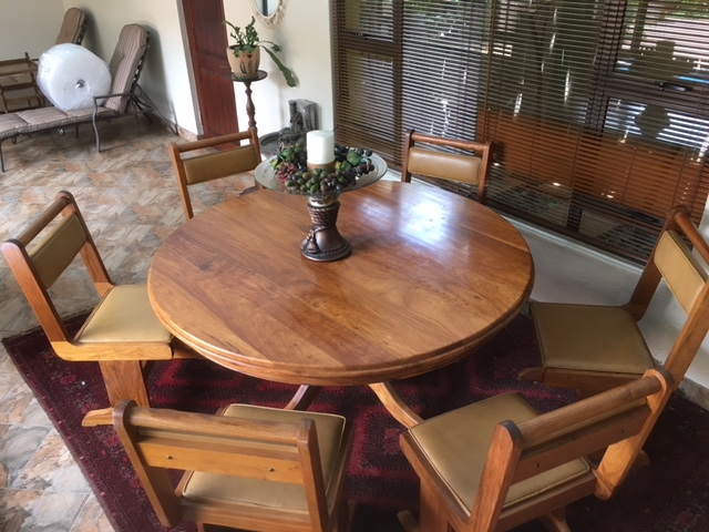R 15 950 For Sale SOLID KIAAT 10 Piece Dining Room
