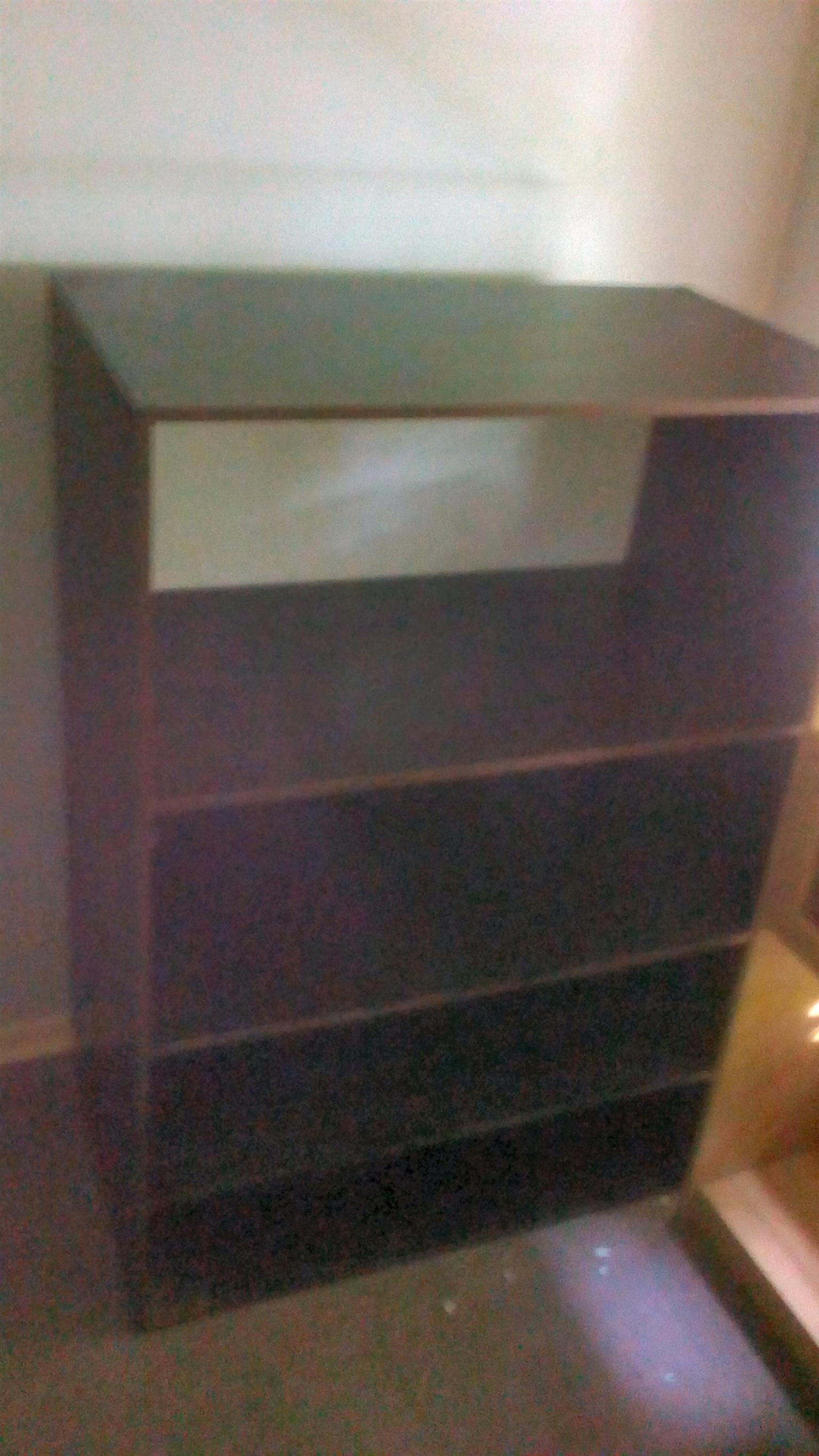 Big 4 tier wooden shelf for sale R550
