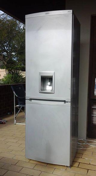 Metallic Defy Fridge / Freezer 321l