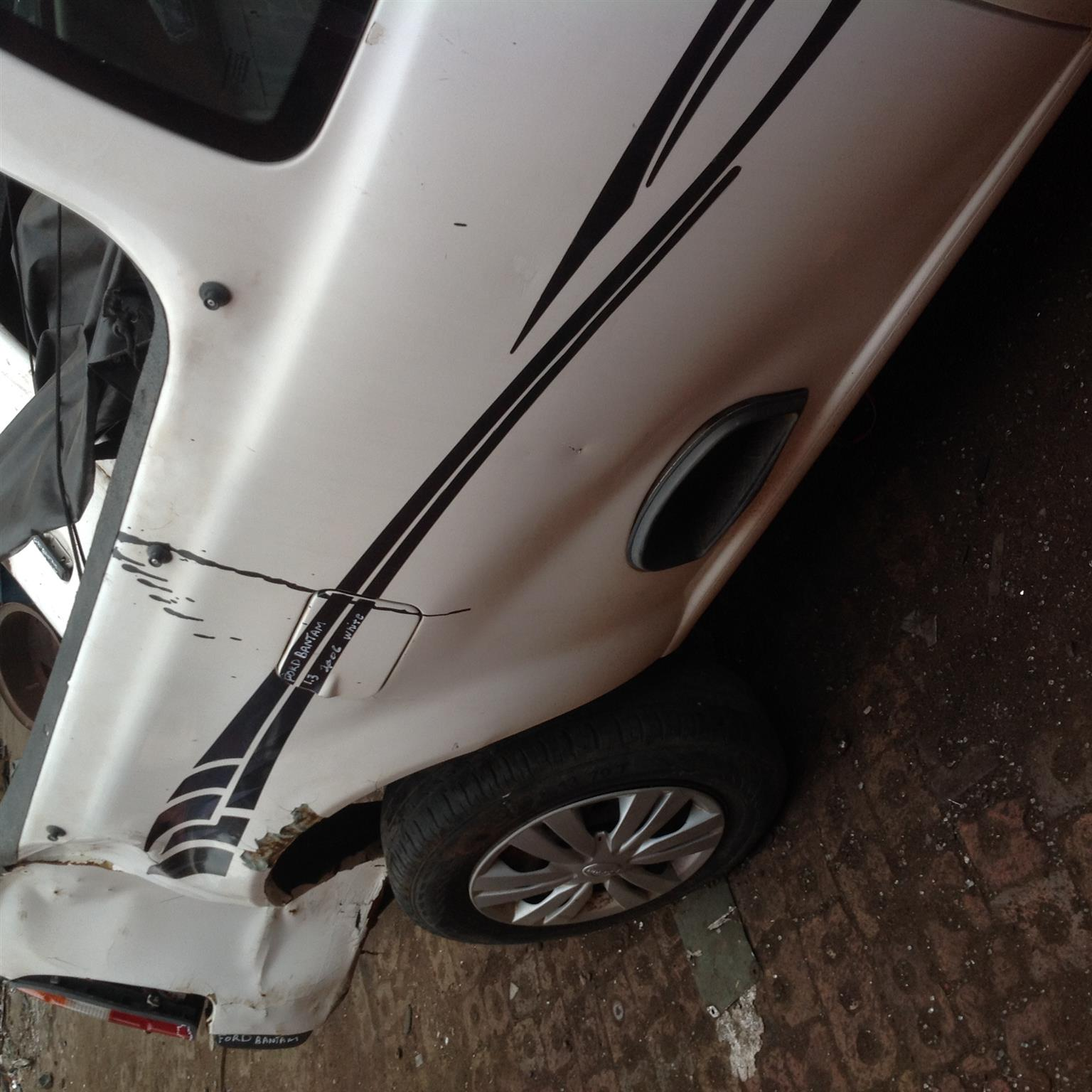 Stripping Ford Bantam 2005 for Spares