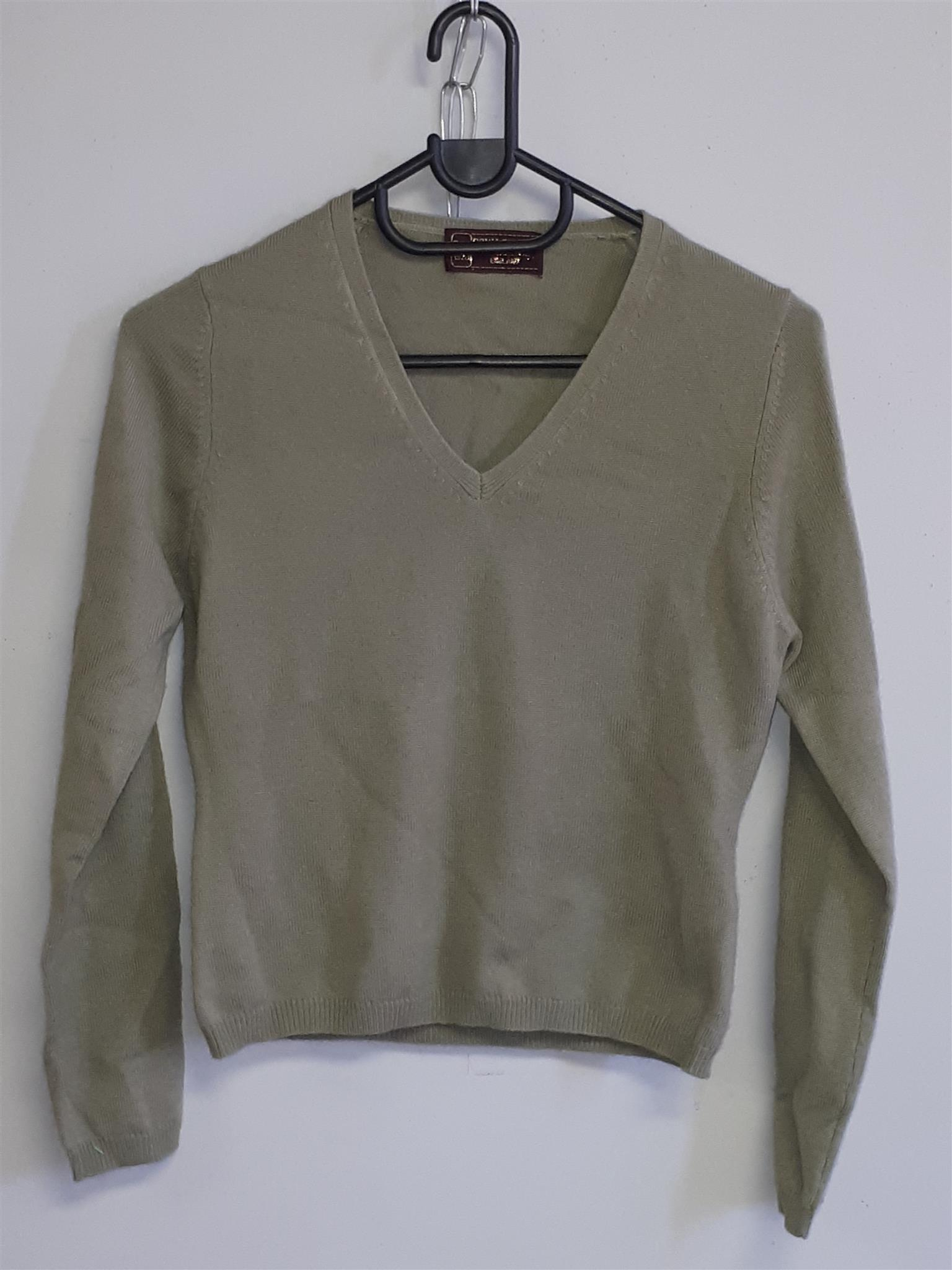 Cashmere Olive Green Pullover V neck - Small