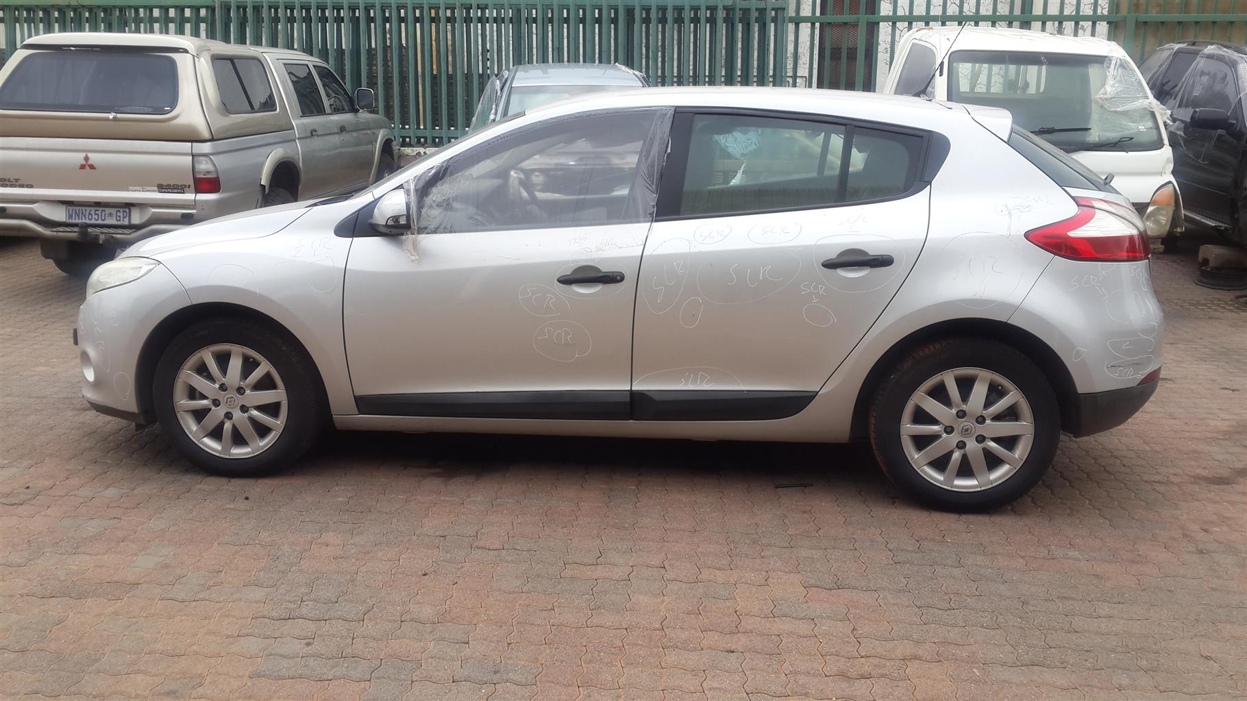 RENAULT MEGANE III STRIPPING FOR SPARES