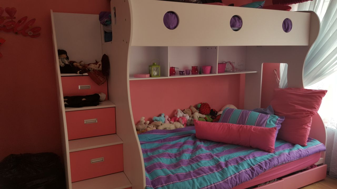 Bunk bed for aale