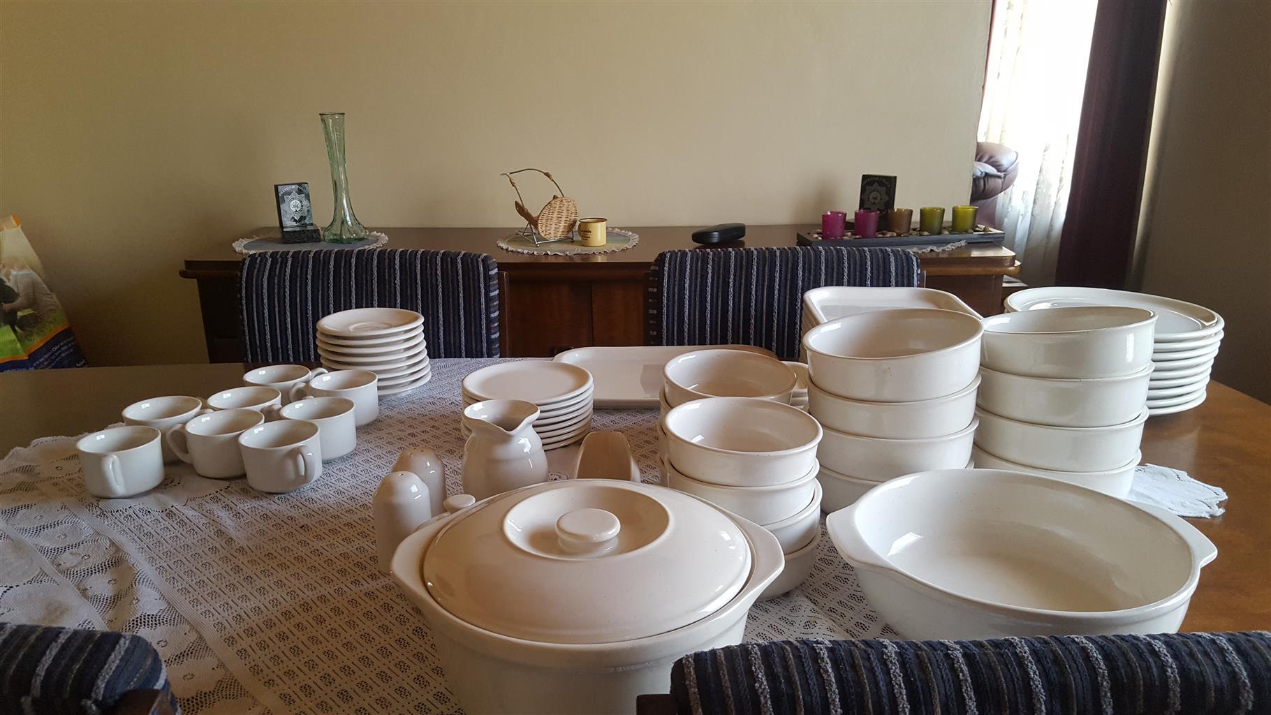 Dinner set for sale