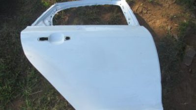 2013 Ford focus right rear door shell for sale