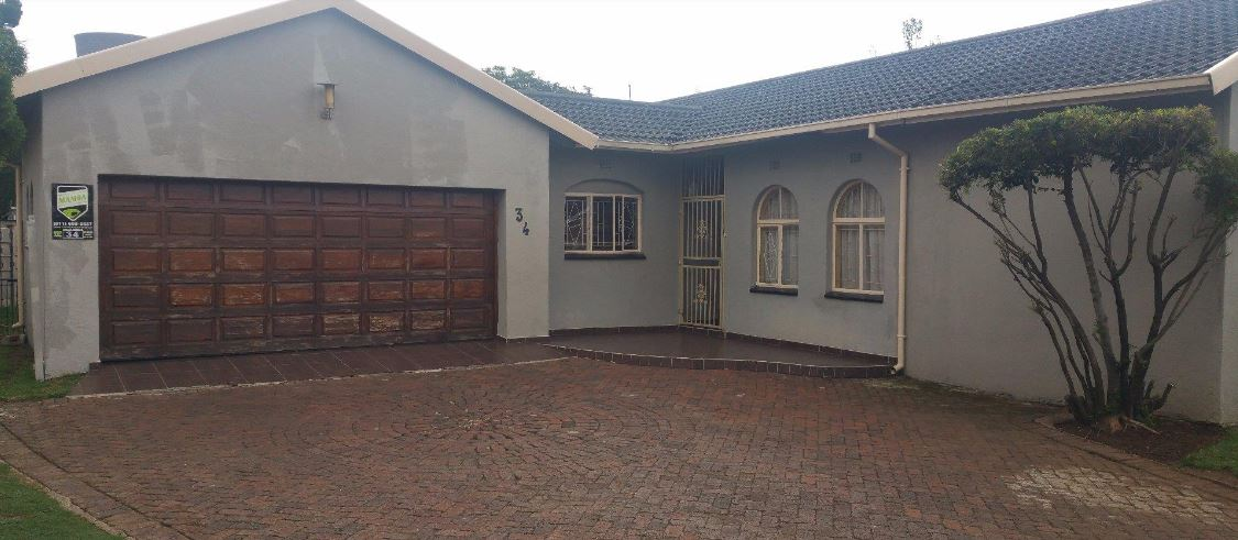 3 Bedroom House for sale in Kempton Park: R1 100 000