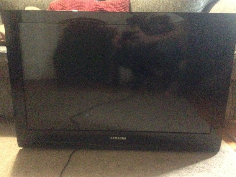 32 Inch LCD Samsung TV For Sale