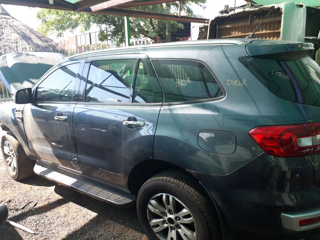 Ford Everest 3.2TDCI Auto XLT 4WD 2016 model Striping for spares