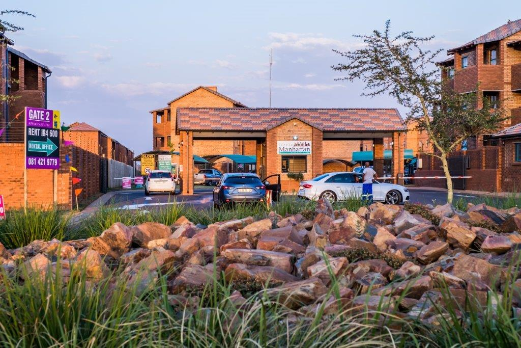 Move to a Newly-built, safe and secure estate, 2 Bedroom in Pretoria West for only R5400. Call NOW