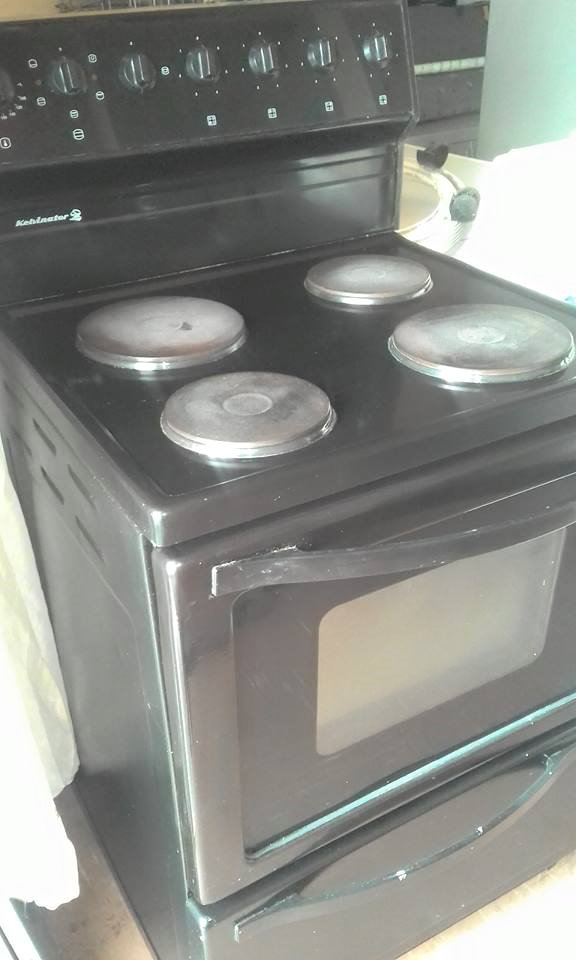 Kelvinator 4 plate stove with oven