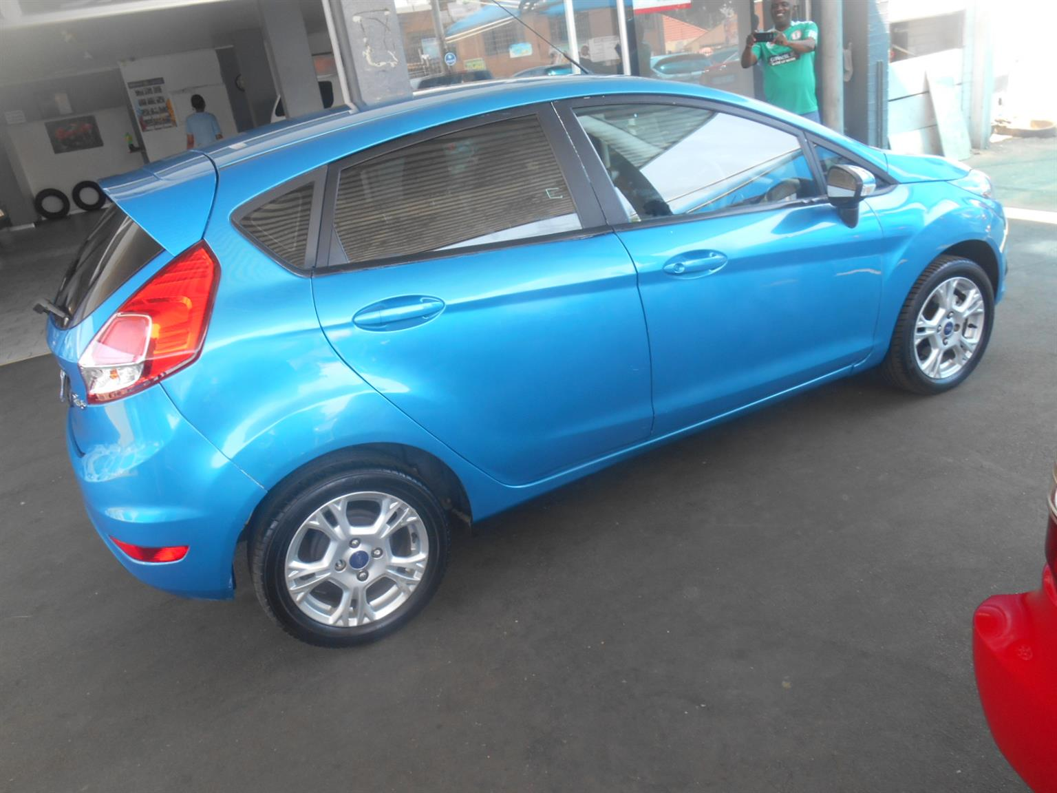 FORD FIESTA ,ENGINE 1.0,,32698KM,2015 MODEL,,R160,000,THE FACTORY SAFETY TECH INCLUDES ANTI LOCK BRAKING SYSTEM , AIRBAGS , REMOTE CENTRAL LOCKING WITH AUTO LOCK FUNCTION FOR YOUR ADDED PEACE OF MIND,