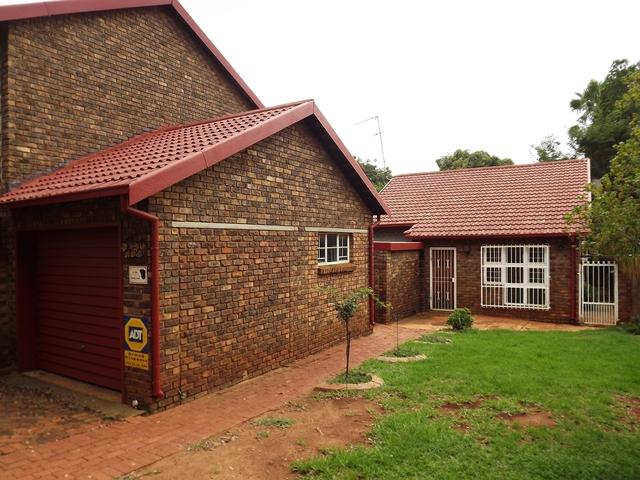 2 Bedroom House For Rent in Murryfield Pretoria