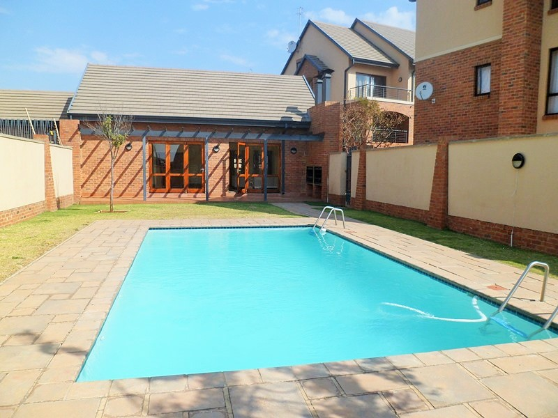 BACHELORS (STUDIO) APARTMENT TO LET IN HILLTOP LOFTS, MIDRAND