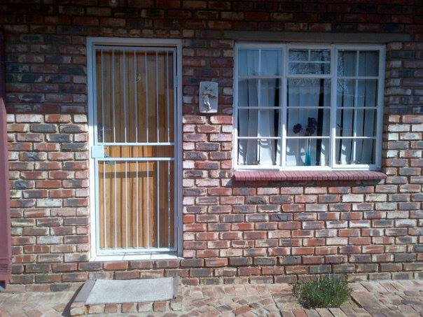 Students Bachelors Flats to rent