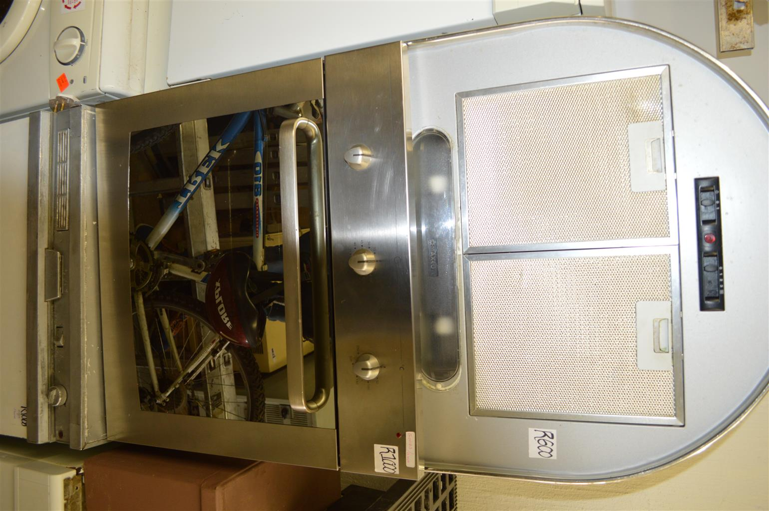 Whirlpool Oven And Extractor Fan
