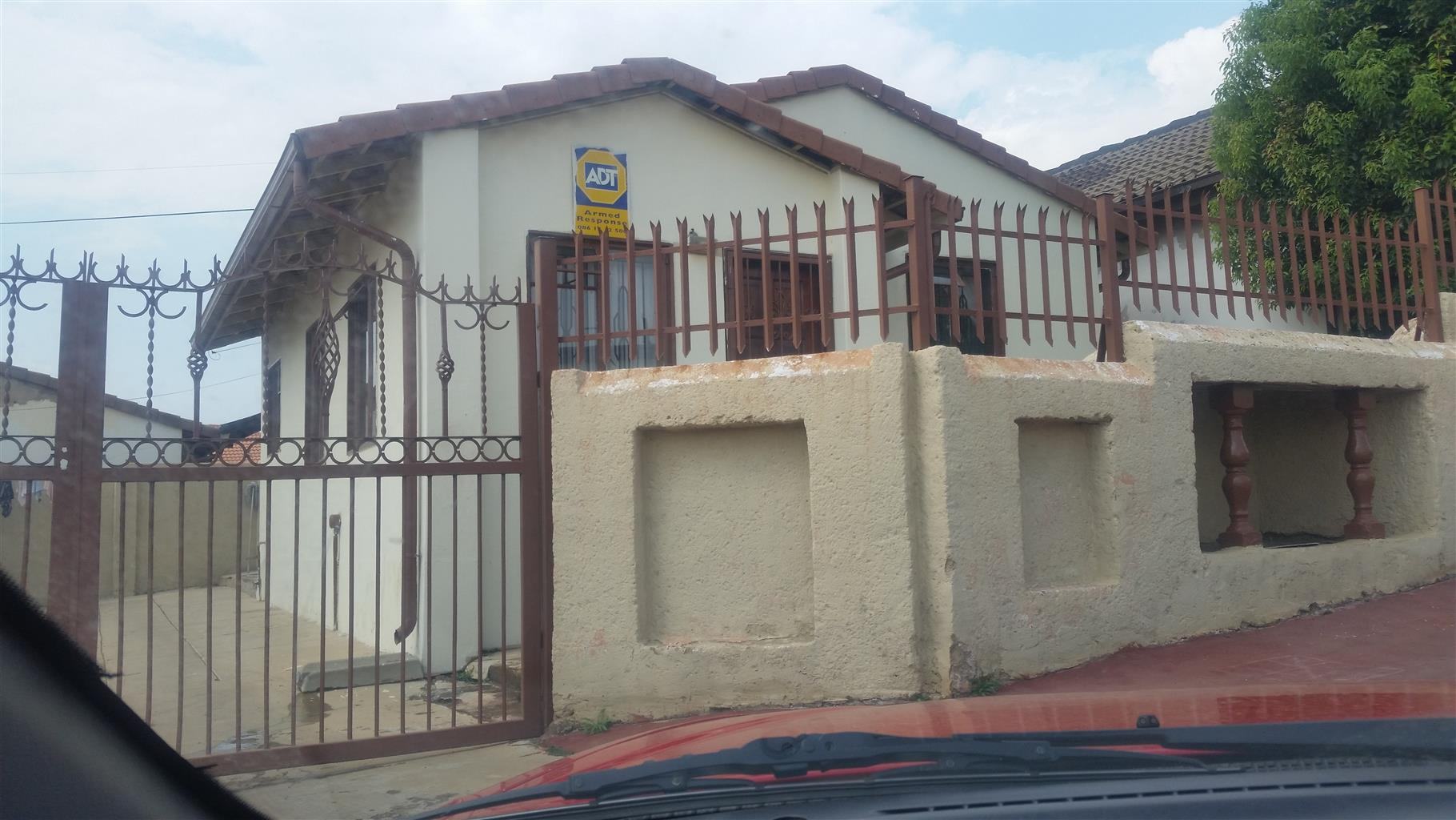 Urgent Saulville house to rent