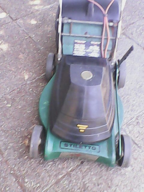 Stiletto 1800W electric lawnmower in excellent condition