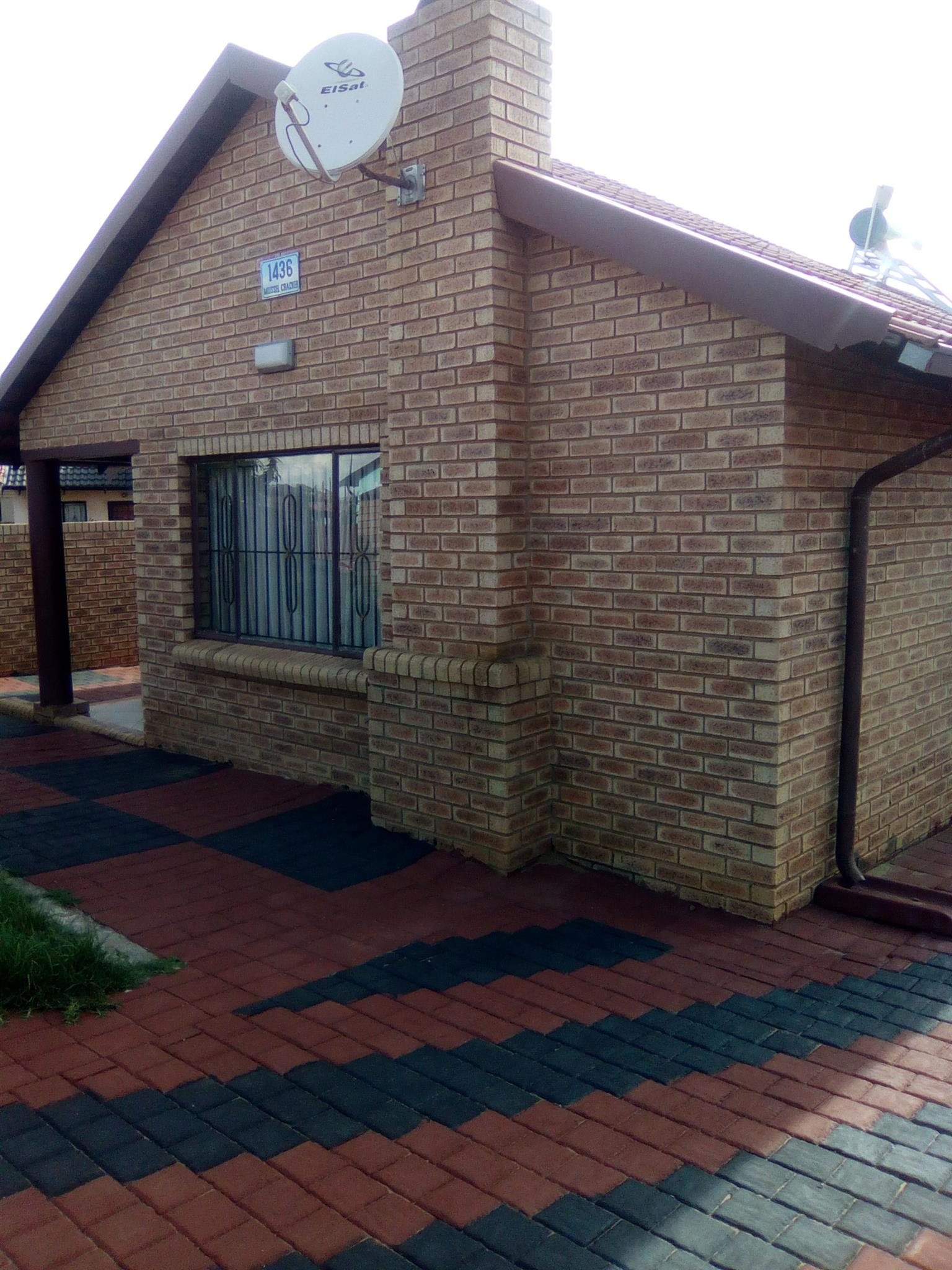 Stunning 3 bedroom house for sale at Lawley ext