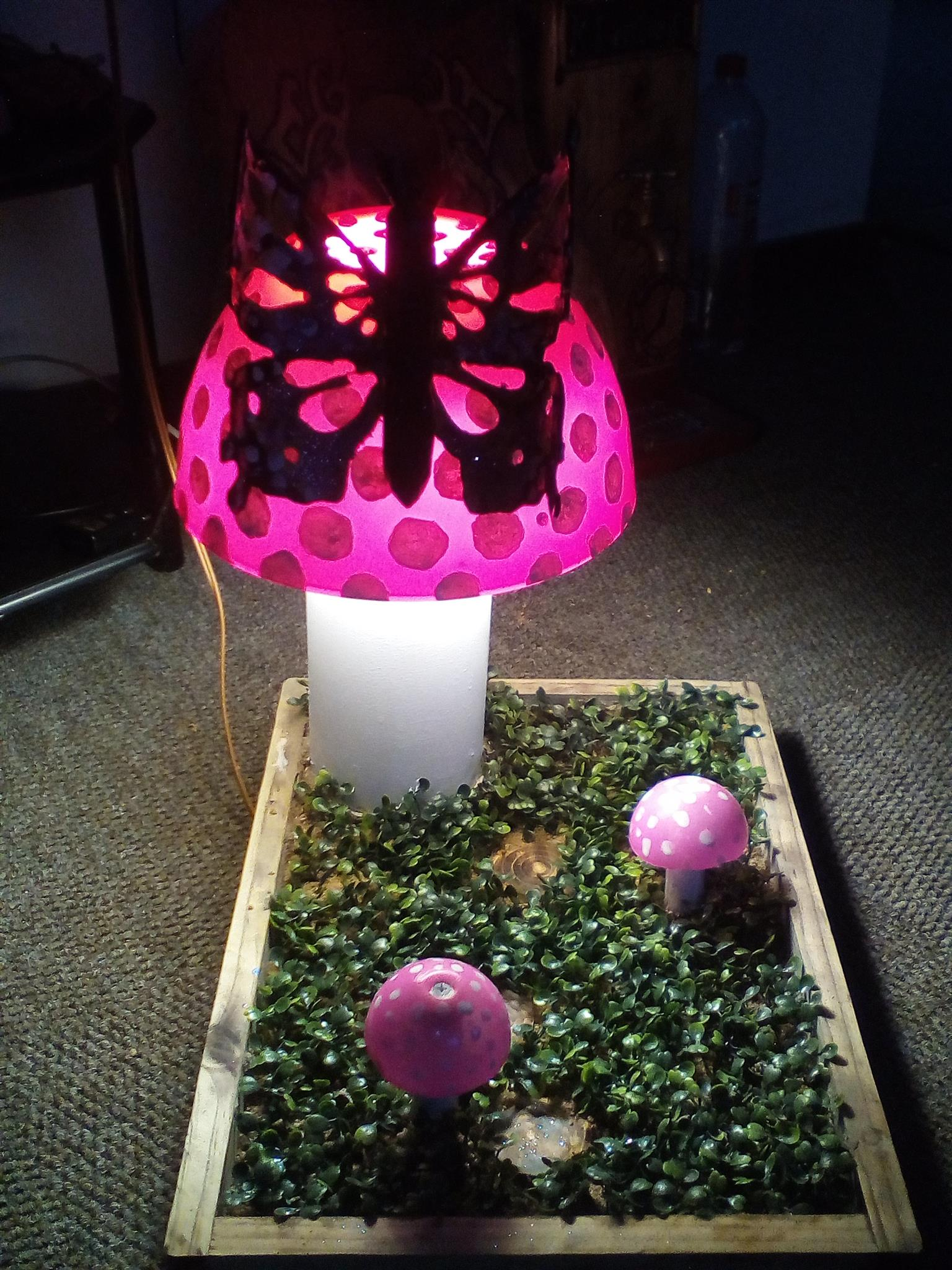 Hanfmade mushroom lamp for inside or outside