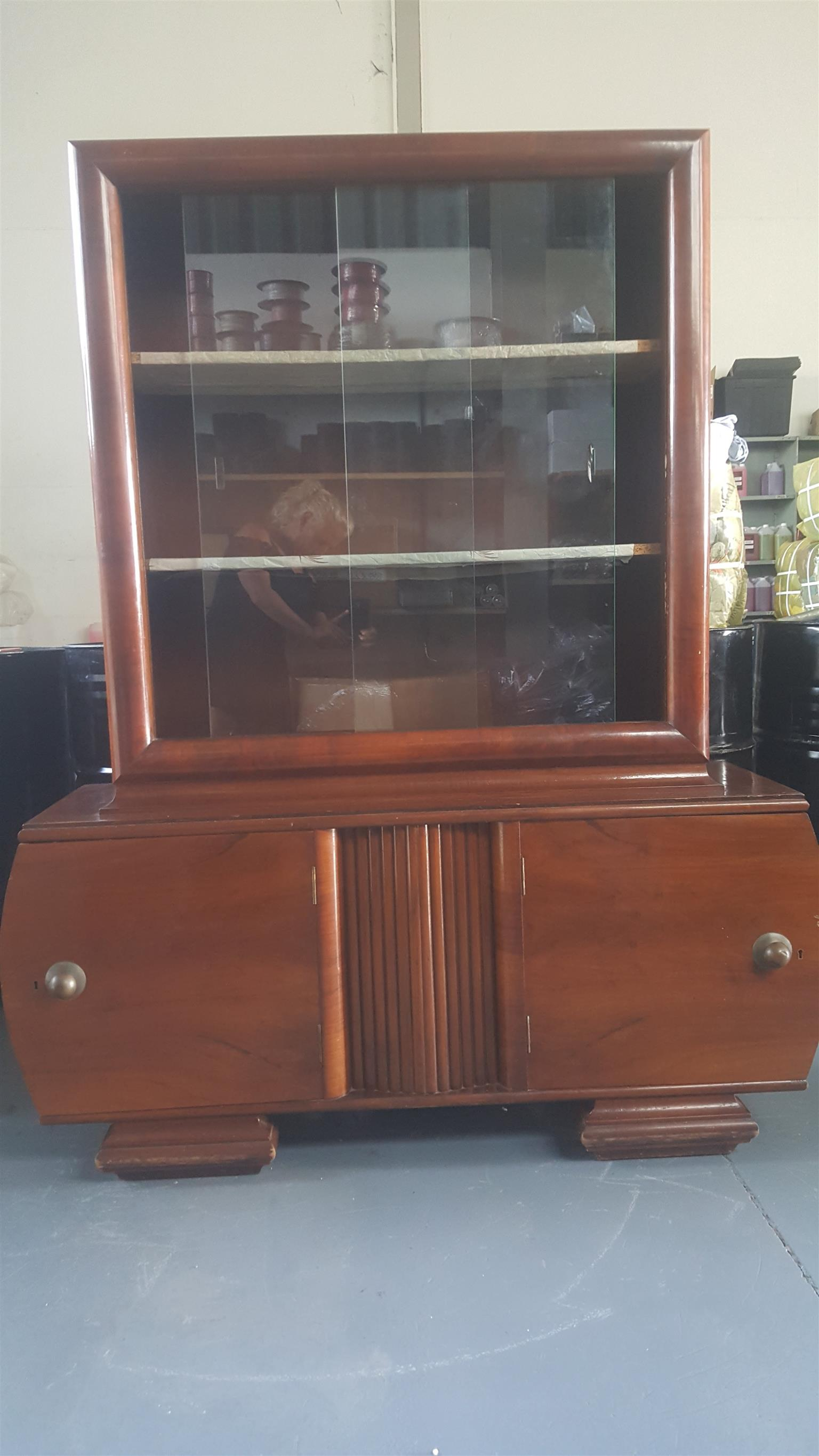 Antique 1920 cabinet