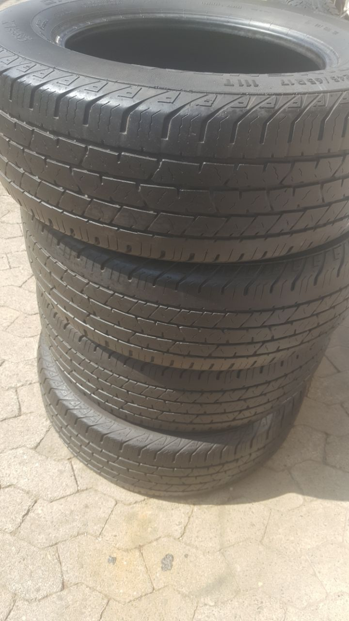 Set good used 245/65/17 Continental Cross Contact Tyres fits VW Amarok  R750 each R2600