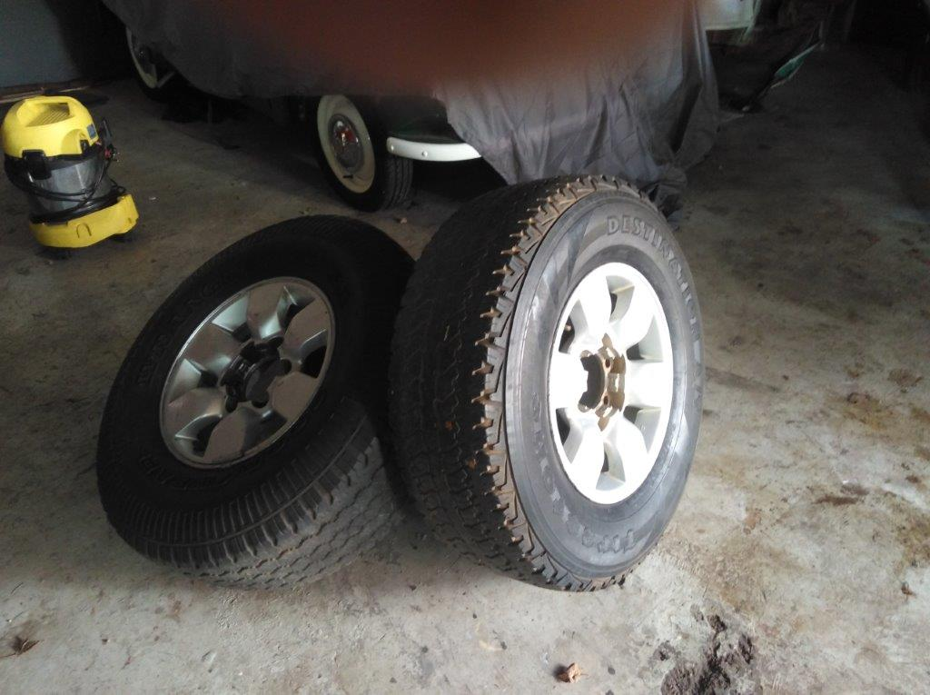 Toyoya Hilux x4 rims and tyres 265/70/15