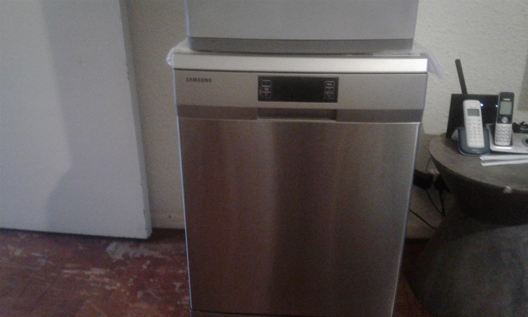 New Demo Samsung DW-FN320T 12 Place Dishwasher