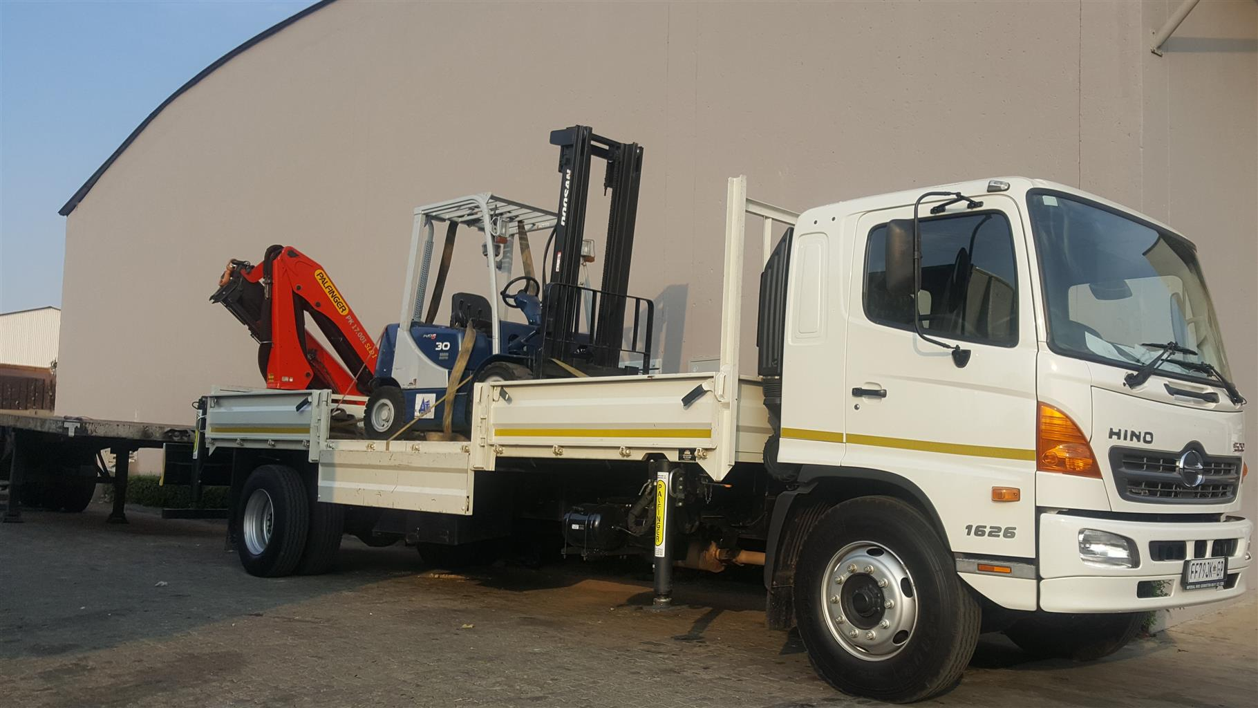 Crane Truck Hire and Rigging Services