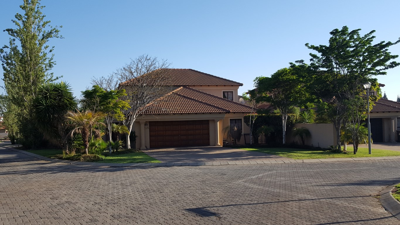 4 Bedroom House to Rent in Silverlakes