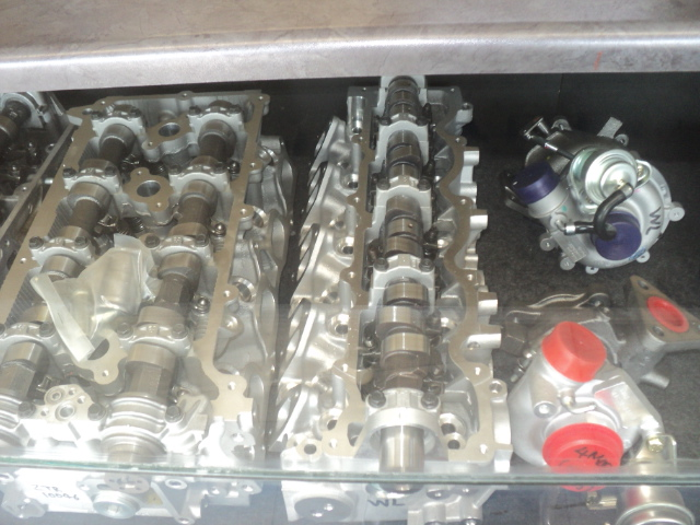 WL NEW CYLINDER HEAD COMPLETE R9000