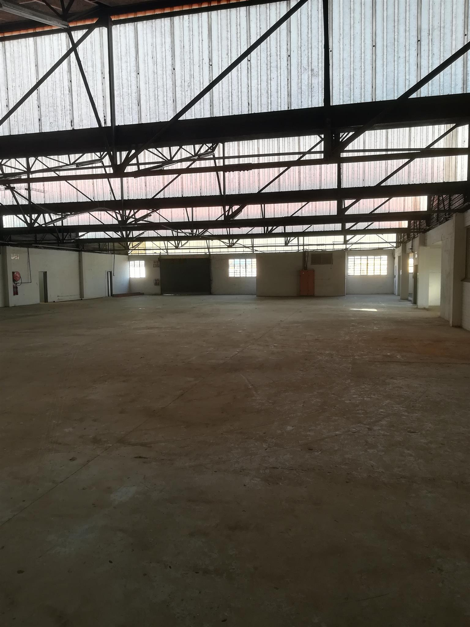2607m2 warehouse/factory to let in Isando