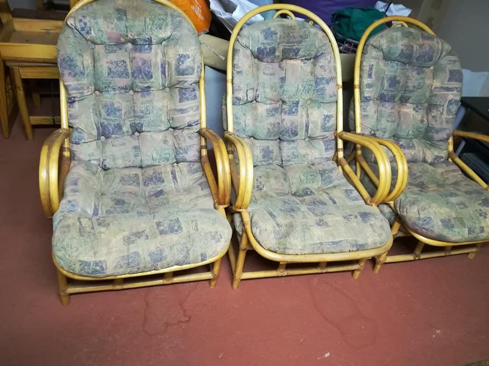 3 rottang stoele te koop