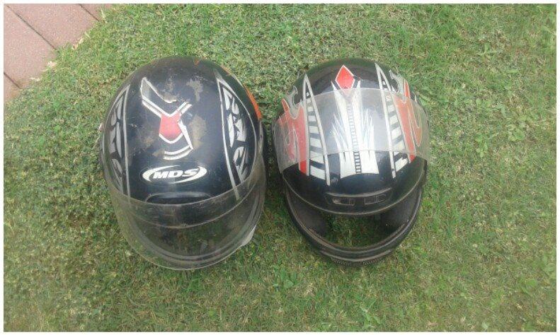 2 Helmets te koop