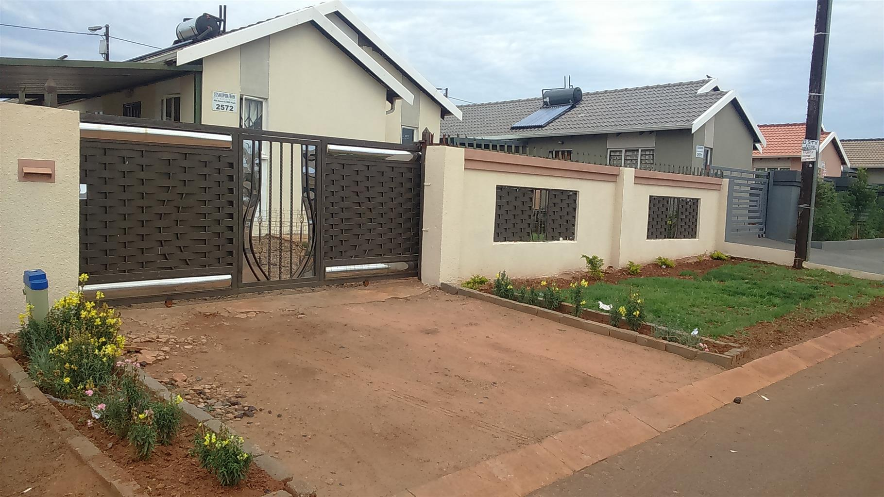 House for sale in Rosslyn Gardens Pretoria