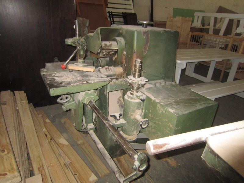 Woodworking machinery: Rockwell Invicto Single end tenoner