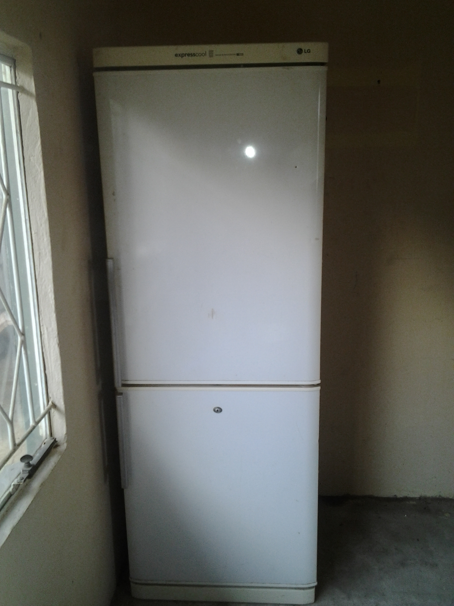 LG Express Cooler Fridge/Freezer