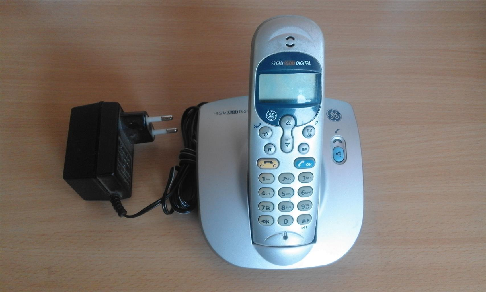 Portable Fixed Line Telephone Handsets General  Electric. With LCD Screen,Caller ID, Intercom Phonebook etc . Light or Dark Grey Colour.  R295.