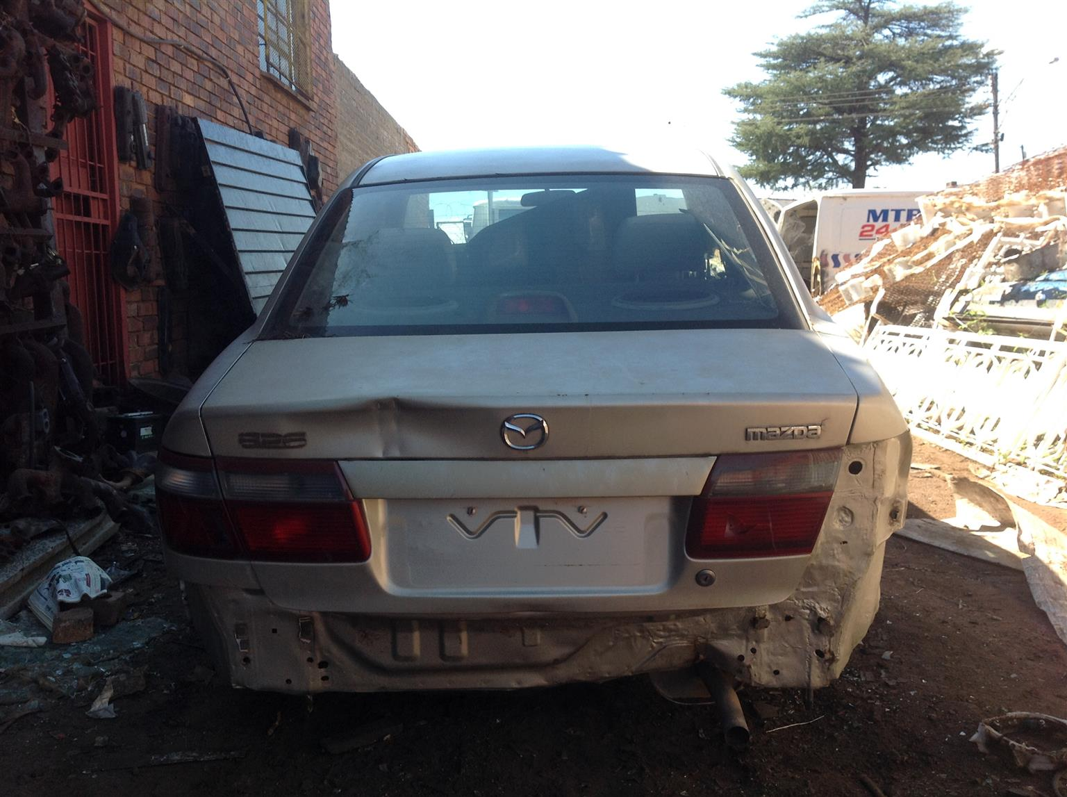 Stripping Mazda 626 2001 for Spares